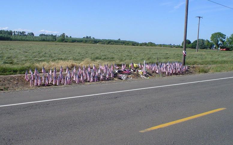 Kelly_James_Fredinburg_memorial_outside_Gervais,_Oregon-copy